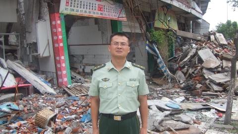 """国防大学政治学院副教授郭长顺:""""穿上军装就应该多做一点"""""""