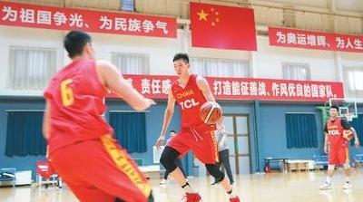中国男篮年轻阵容出战世预赛,李楠:胜负不要紧,练兵最重要