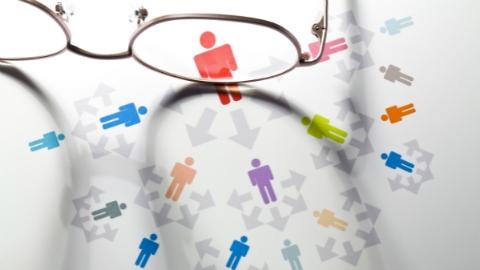 租办公室、冒充名企HR……骗子节后瞄准求职者,竟组织了一场假招聘会!