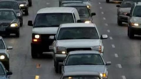 堵车!加拿大每天150万人上班至少开车一小时