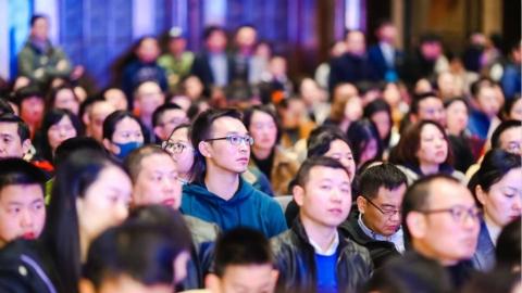 走出国门,中国学生有哪两大短板?运动能力和服务意识