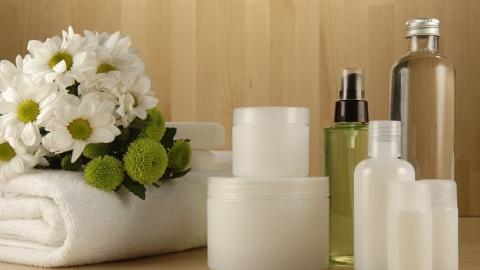 """""""药妆""""不是药!这种提法属违法 皮肤美容专家:功能性化妆品安全居首位"""