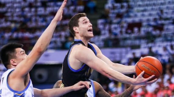 上海男篮客场不敌北京队被逼入绝境 下一场会成其本赛季休止符吗?