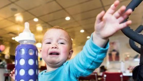 熊孩子禁入!汉堡市咖啡厅店规:6岁以下儿童不准入内