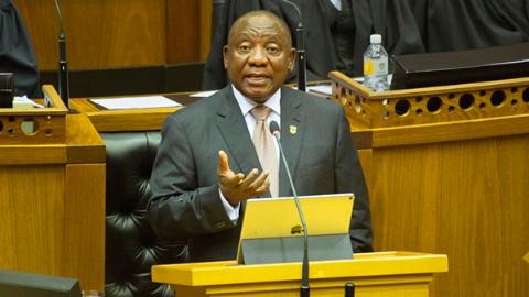 """坐通勤列车拉选票   南非总统""""堵车""""2小时多"""