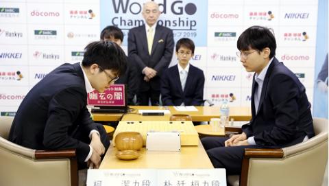 第三届世界围棋最强战决赛 柯洁再犯低级错误痛失冠军