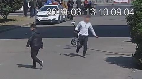 两男子合谋偷走警方暂扣电动自行车 涉嫌妨碍执行公务被行政拘留