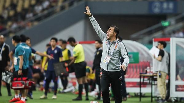 """中国杯首战不敌泰国 卡纳瓦罗的国足""""卡了机"""""""