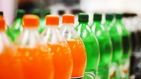还拿含糖饮料当水喝?注意了,常喝易患致命疾病
