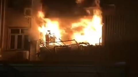 青浦区城北新村一民居突发大火 幸无人员伤亡
