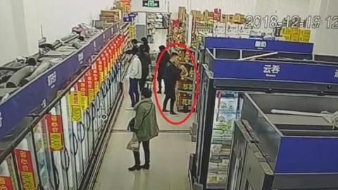 """""""油耗子""""横跨上海各大超市   专偷花生油"""