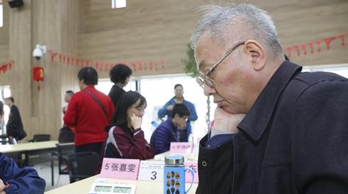 象棋业余高手陈东伟重出江湖,当年他可是赢了胡荣华!