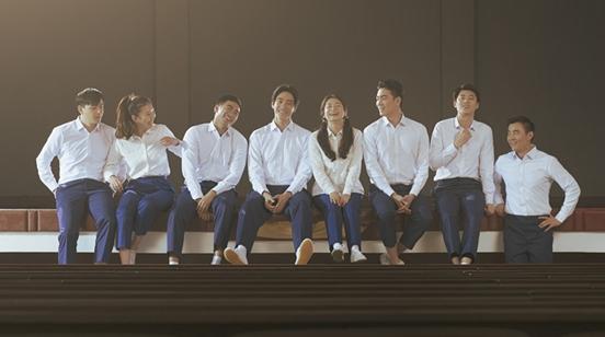 首演话剧就选择《漫长的告白》,是什么吸引了郑云龙?