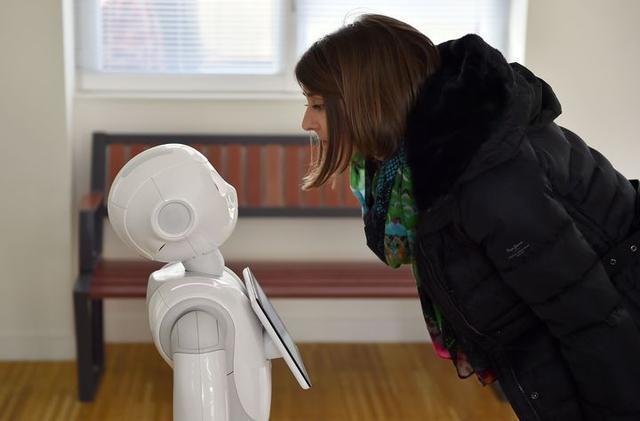 等我老了,有个聊天机器人,足矣