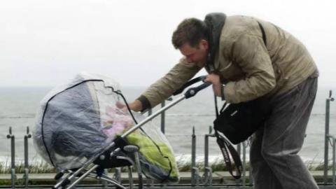 至少2个月的带薪假期!欧盟决定送成员国的父母好福利