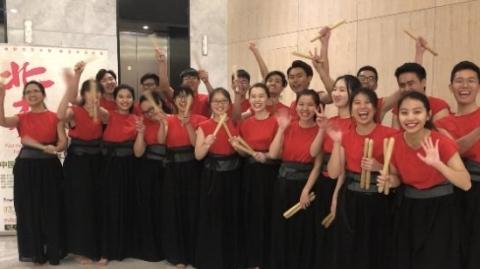生活在上海   马来西亚留学生奏响二十四节令鼓
