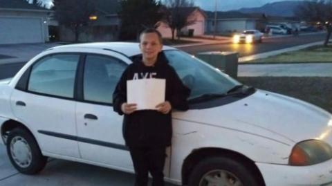 暖心! 美国13岁男孩用这方式给妈妈买了辆车