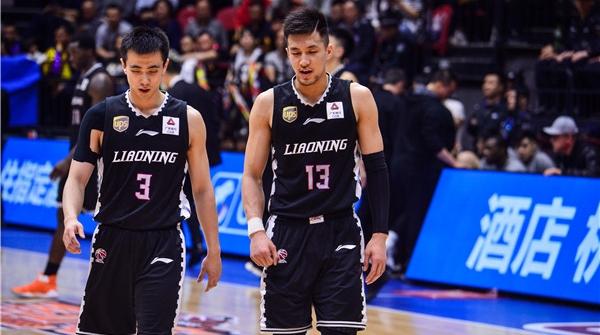 辽宁队遭遇赛季最惨一败,新疆男篮一只脚踏进总决赛大门
