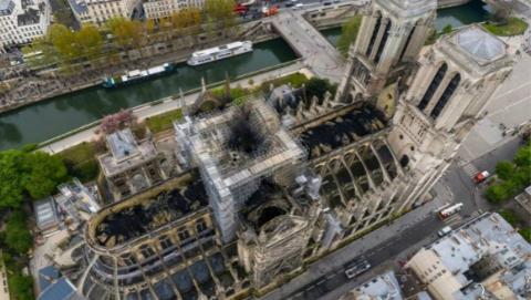 """巴黎圣母院火灾调查:延时摄影相机或提供""""关键线索"""""""