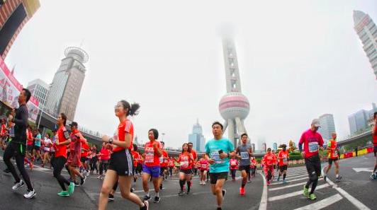 上半马今晨开跑,15000名跑者共同见证它的5岁生日