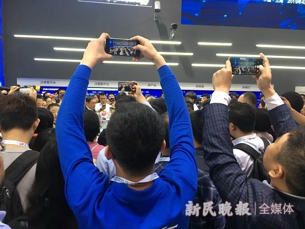 5G手机、柔屏腕表、云桌面……硬核科技在这场大会上解锁