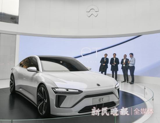 """上海车展:中国造车新势力吸睛,国产电动车""""占领?#22791;?#22823;展台"""
