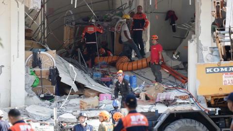 菲律宾强震死亡人数升至11人 累计超过400次余震