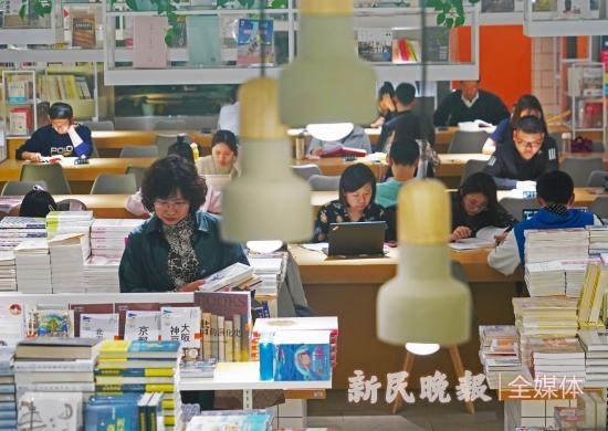 上海读书节上午开幕,在这个春天读诗读史