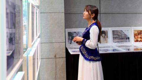 """近百年120幅照片定格""""一带一路""""时尚变迁史 东华大学这个展览有点好看"""