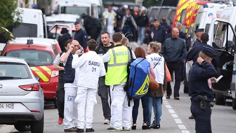 法国南部劫持事件4名人质全部获释