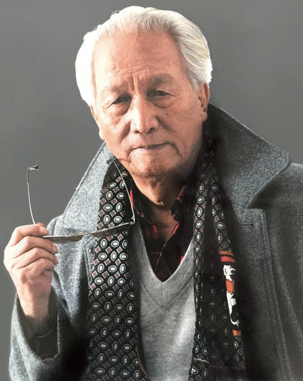 """文坛""""游牧人""""冯苓植:""""不求闻达,甘于寂寞"""",80岁仍在纸上写作"""