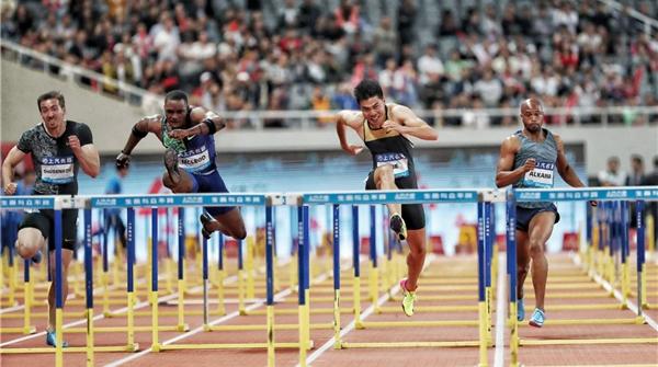 谢文骏捍卫110米栏荣光!钻石联赛夺得银牌,刷新个人最好成绩