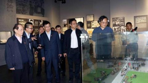 英雄赞歌致敬上海 上海市文联艺术家讲坛昨天举行