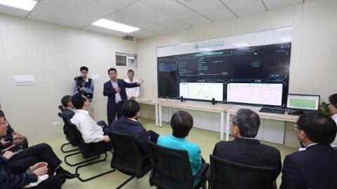 沪上首台智能化救护车在上海市同济医院首发