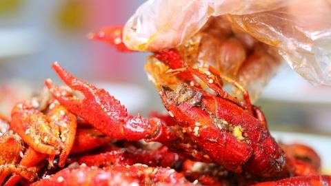 欧冠消费大数据:啤酒小龙虾卖得如何?曼联球衣卖得最火?