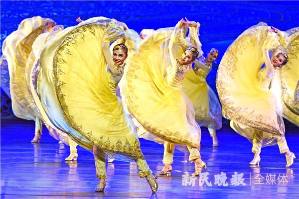 歌舞诗《阳光下的舞步》演出剧照3 郭新洋 摄.jpg