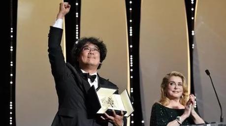 """《寄生虫》为韩国摘得第一枚""""金棕榈"""",华语电影再度铩羽而归"""