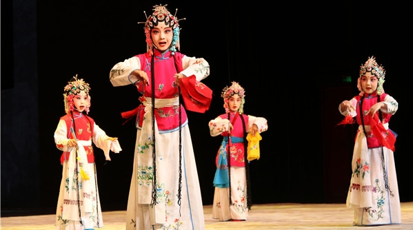 """3场""""戏曲荟"""",3堂公开课,杨浦区非遗节让年轻人爱上传统文化"""