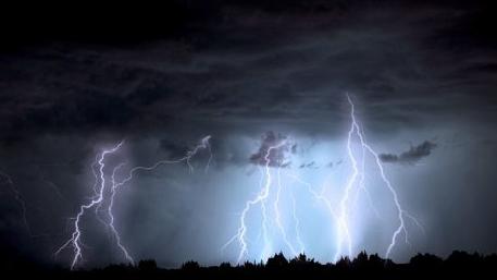 """新西兰每年闪电19万次,竟还是全世界最欠""""雷劈""""的国家"""