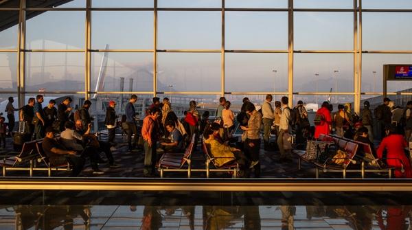 """全球""""第三繁忙""""客运机场香港国际机场正建第三条跑道"""