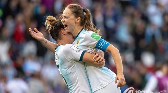 十六年等一分!一场平局让阿根廷女足姑娘们泪流满面