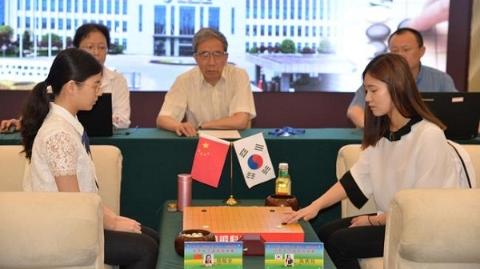 世界女子围棋团体赛 中国副帅陆敏全攻擂成功
