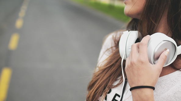 穿越般聆听音乐感受年代