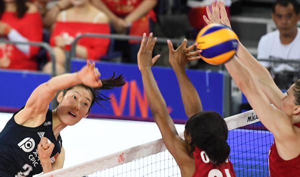 中国女排遭美国队横扫,比赛中暴露出的这个问题亟待郎平解决
