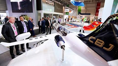 海外首次展出!中国商飞CBJ公务机模型亮相巴黎航展