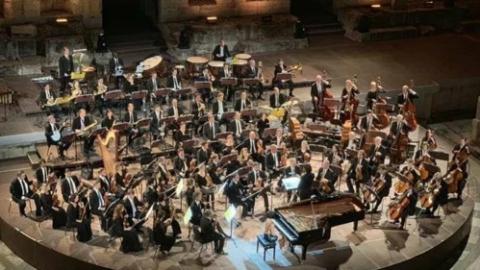 王羽佳:在希腊千年古剧场里奏响钢琴曲