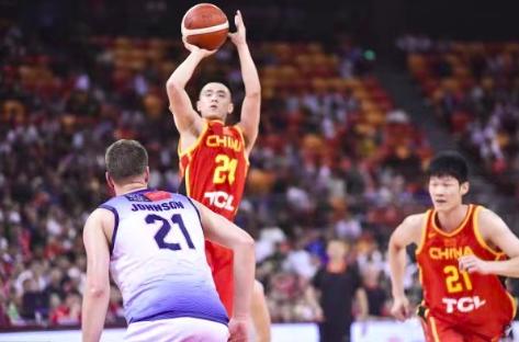 中国男篮热身赛取得开门红,战胜澳大利亚明星队