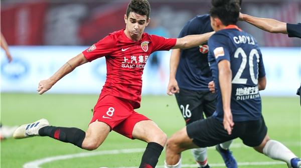 上港主场三球完胜北京人和,奥斯卡再成关键先生,武磊现场观战!