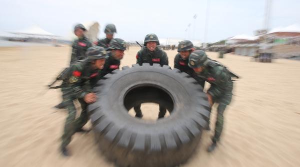 """震撼多图!看看上海武警""""硬核""""特战队员的""""魔鬼周""""极限训练"""