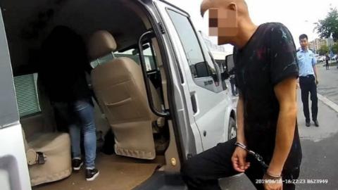 """上海金山警方捣毁一个餐具配送业""""行霸"""" 抓获犯罪嫌疑人3名"""